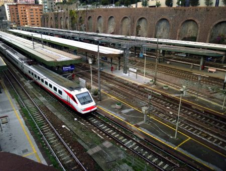 Genoa'dan Monaco'ya Tren Yolculuğu